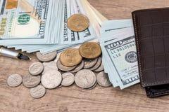 usa dolarowi rachunki z monetą Obraz Royalty Free