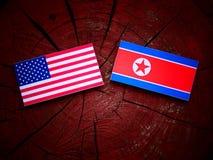 USA flaga z koreańczyk z korei północnej flaga na drzewnym fiszorku Obraz Royalty Free