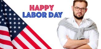 USA flagga och man på vit bakgrund lyckligt arbete för dag royaltyfri bild
