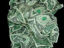 USA-Geld-Währung zerknittert gegen schwarzen Hintergrund stockfotos
