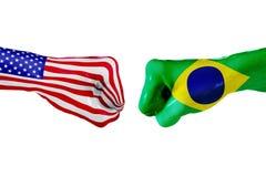 USA i Brazylia flaga Pojęcie walka, biznesowa rywalizacja, konflikt lub wydarzenia sportowe, Obraz Stock