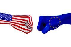 USA i Europejska Zrzeszeniowa flaga Pojęcie walka, biznesowa rywalizacja, konflikt Zdjęcia Royalty Free