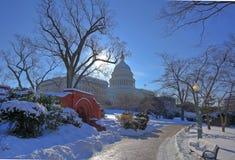USA-Kapitolium i snö Fotografering för Bildbyråer