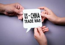 USA - Kina handlar krigbegrepp vektor f?r anf?rande f?r bubbladiagramperson talande royaltyfria foton