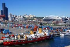 USA-kustbevakningskepp på Seattle strand, Arkivfoto
