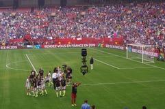 USA-kvinnafotbollslaget firar segra den FIFA världscupen 2015 Arkivbild