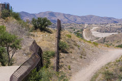 USA/Mexico International Border. International Border Fence in Arizona, United States looking over into Mexico Stock Photos