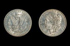 1885 USA Morgan Dollar som isoleras på svart arkivbilder