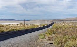 USA-rutt 50 Nevada - den mest ensamma vägen i Amerika Royaltyfri Bild