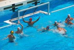 USA - SERBIEN-freundliches Wasser-Polo-Spiel Lizenzfreie Stockbilder