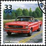 USA - 1999: shower Ford Mustang, serie firar århundradet, 60-tal Arkivfoton