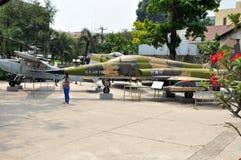 USA siły powietrzne samolot w Wojennych szczątkach Muzealnych Saigon, Vietna Obraz Royalty Free