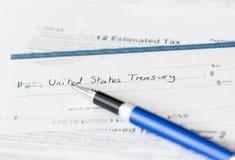 USA-Steuerformular 1040 für Jahr 2012 mit Check Stockbild