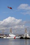 USA straży przybrzeżnej MH-65-C Dauphin przy straży przybrzeżnej bazą w przylądku Maj, Nowy - bydło Zdjęcia Stock
