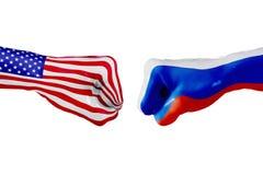USA und Russland-Flagge Konzeptkampf, Geschäftswettbewerb, Konflikt oder Sportereignisse Lizenzfreie Stockfotografie