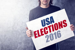 USA-Wahlen 2016, Mann, der Plakat hält Lizenzfreie Stockbilder