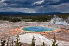 USA - Yellowstone NP - großartiges prismatisches Pool Lizenzfreie Stockbilder