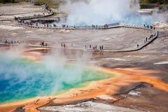 USA - Yellowstone NP - großartiges prismatisches Pool Lizenzfreie Stockfotos