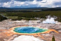 USA - Yellowstone NP - großartiges prismatisches Pool Stockfotos