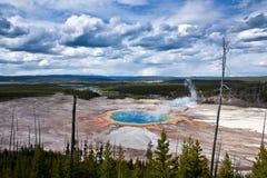 USA - Yellowstone NP - storslagen prismatisk pöl Fotografering för Bildbyråer