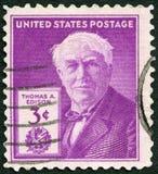 USA - 1947: zeigt Porträt von Thomas Alva Edison (1847-1931), von Erfinder und von Geschäftsmann, 100. Geburtsjahrestag Lizenzfreie Stockbilder