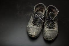 Usados zapatos viejos Fotos de archivo