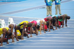 Usain Bolt bei 100m Anfangslinie an den Olympics Rio2016 Stockfotografie