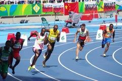 Usain Bolt som kör 200m OS:er Rio2016 arkivbilder