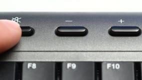 Usando el vídeo del teclado de las multimedias metrajes
