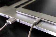USB单词和拇指推进或者棍子虚拟内存存贮 库存照片