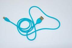 USB缆绳用于从另一个设备转移数据到计算机或膝上型计算机、辅助部件计算机的或电话 库存图片