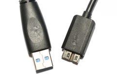 USB 3 0个数据传送缆绳男性A和微B连接器 库存照片