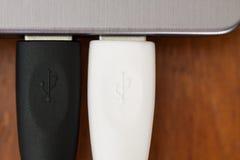 2 USB 3.0 apparaat die met notitieboekje verbinden Stock Afbeelding