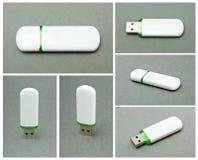 USB błysku przejażdżka na szarym tle. Zdjęcia Royalty Free