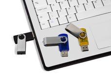 Usb-Blinkenlaufwerke und -laptop Lizenzfreies Stockfoto