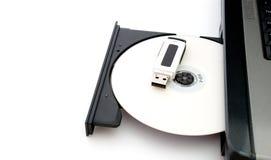 USB del flash y CD Foto de archivo