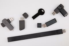 USB exponeringen kör mallen för annonsering och företags identitet som isoleras på vit royaltyfri fotografi