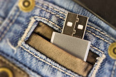 Usb in jeans pocked immagini stock