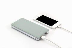 USB-Kabel Bank der grauen Energie für Smartphone Stockfotografie