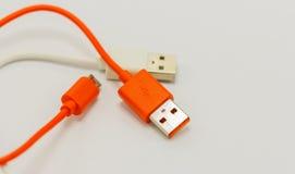 USB-Kabel für verschiedene Technologiegeräte der Verbindung Stockbilder