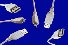Usb-kablar - kabel - tråd - datakabel Arkivfoto