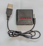 USB-Ladegerät für Lithium-Polymerbatterien Lizenzfreie Stockfotos