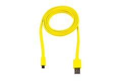 Usb micro del USB-cable amarillo aislado Imágenes de archivo libres de regalías
