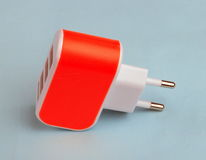 USB-Port-Wand-Ladegerät am Tag Lizenzfreie Stockfotos