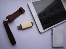 USB pråligt drev som lagrar dina data- och multimediamappar fotografering för bildbyråer