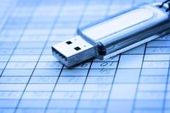 USB y hoja de datos Foto de archivo