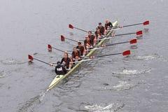 USC妇女的乘员组在查尔斯赛船会妇女的主要Eights头的竞选中获胜  免版税库存照片