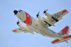 USCG C-130抢救航空器 免版税库存照片
