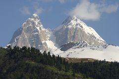 Uschba - konungen av caucasusen Arkivfoto