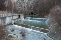 Uscita della diga dell'acqua Fotografie Stock